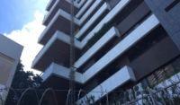 Dois homens morrem após elevador despencar de prédio de luxo no Corredor da Vitória, em Salvador