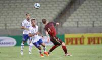 Com um a menos, Bahia segura empate com o Fortaleza