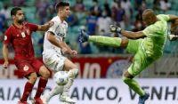 Apoiado pela torcida, Bahia joga bem, mas para no goleiro do Palmeiras e fica no 0x0