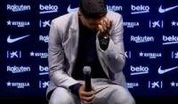 Suárez chora em adeus ao Barcelona: 'Sonho que virou realidade'