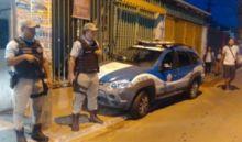 Suspeito morre após troca de tiros com a polícia na Santa Cruz, em Salvador, e ônibus param novamente de circular pelo bairro