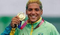 É ouro! Ana Marcela Cunha faz prova irretocável e vence a maratona aquática