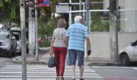 IBGE mostra que expectativa de vida do brasileiro cresceu para 76,6 anos