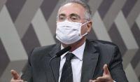Renan diz que seria 'erro brutal' interromper CPI no recesso do Congresso