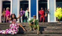 Com 'Cardi B no Pelô', Anitta lança clipe de Me Gusta